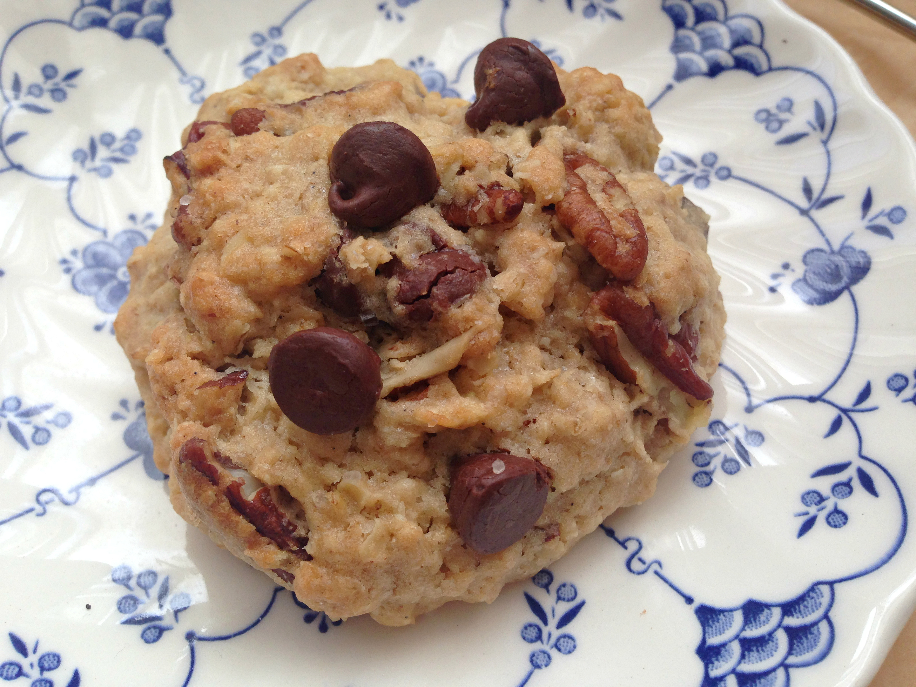 Oatmeal Pecan Chocolate Chip Cookies by @mskerryedwards - find the ...